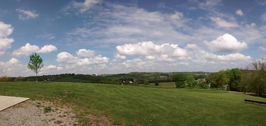 Amish Country Riding Stables: The view from the stables! Not even the prettiest view we had!