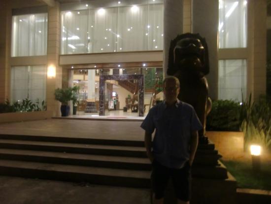Stung Sangka Hotel: Hotel entrance