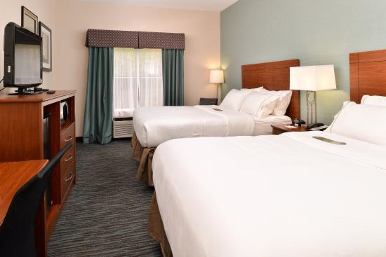 Holiday Inn Express & Suites St Marys: Two Queen Beds