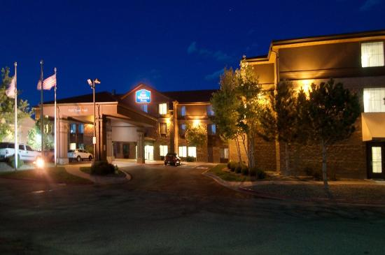 Best Western Plus Denver International Airport Inn & Suites: Front Exterior