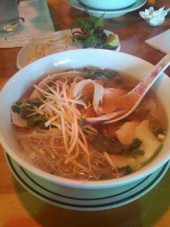 Pho 99: Chicken noodle soup !!!!