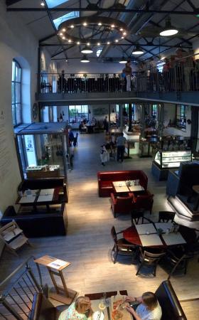 Augustfehn, Deutschland: Modernität meets Industriearchtektur