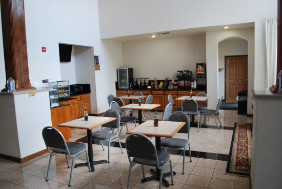 BEST WESTERN Fort Worth Inn & Suites: Breakfast Area