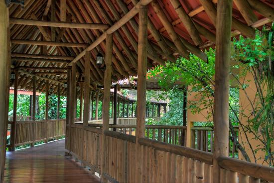 Hotel El Bambu: Hallways