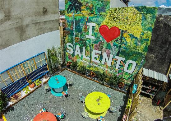 Hostal Ciudad de Segorbe: patio desde el aire