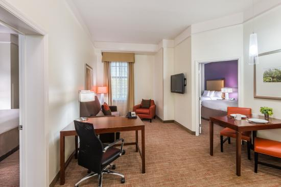Residence inn savannah downtown historic district 119 1 4 9 updated 2018 prices hotel for Hotels with 2 bedroom suites in savannah ga