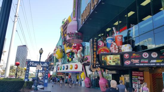M&M Store on The Vegas Strip - Picture of The Strip, Las Vegas ...