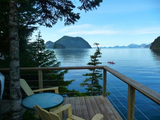 Orca Island Cabins: Relaxing on deck