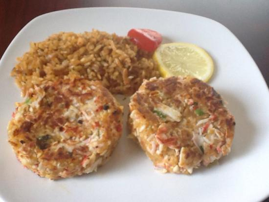 Winnsboro, TX: We have specials each weekend! Crab Cakes is just one of them!