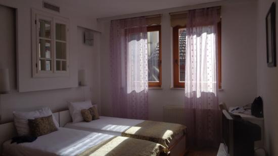 Hotel Safir Foto