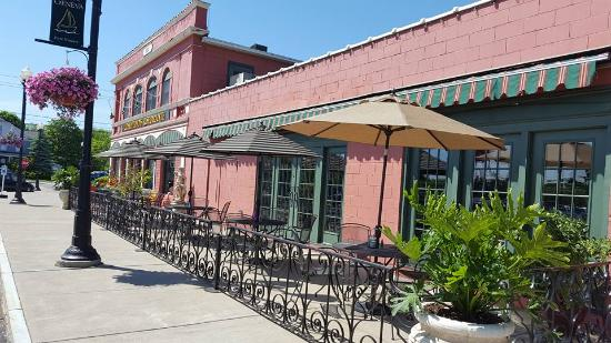 Cosentino's Ristorante: Out  front seating area