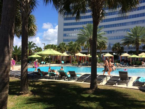 Hard Rock Hotel & Casino Biloxi: Private entry from Platinum Tower to pool n back to rooms; Pool bar; Hot tub; Pool boy towels n