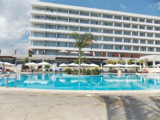 Лучший отель в Лимассоле