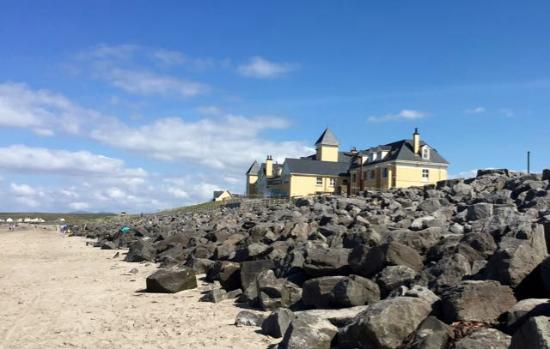 Sandhouse Hotel: View from the beach