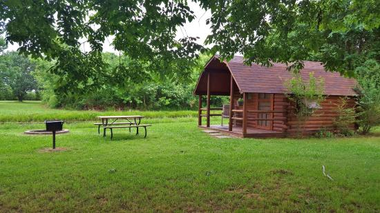 Sallisaw, OK: Cabin #1 with firepit, charcoal grill, and picnic table
