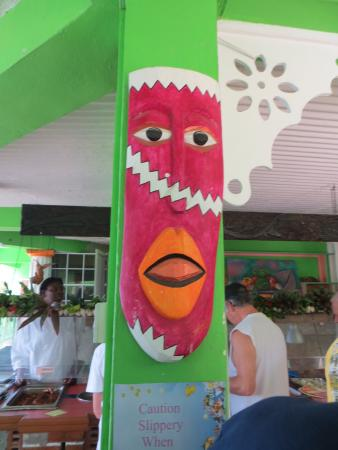 Delice Restaurant and Bar at La Haut Plantation: Another mask