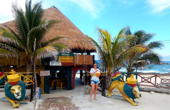 Rasta Bar: The main entrance on the other side its majesty the Mexican caribbean ocean.