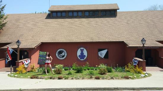 Glocester, RI: Philanthropy Tea & Coffee Co