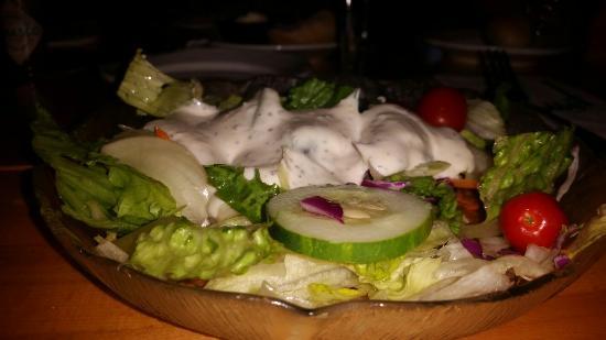 Bobby's Restaurant & Lounge: Great prime rib and calimari