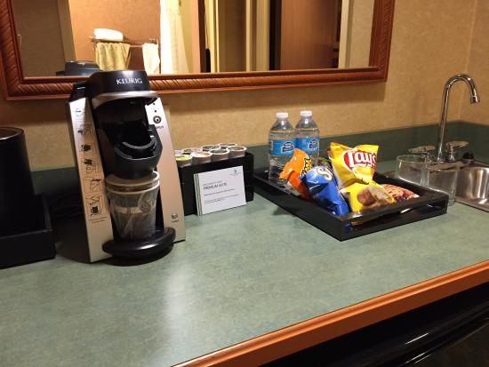 Embassy Suites by Hilton North Charleston - Airport/Hotel & Convention: photo0.jpg
