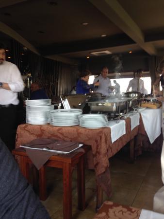 O buffet do restaurante.