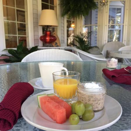 Yelton Manor Bed and Breakfast: Wife's breakfast