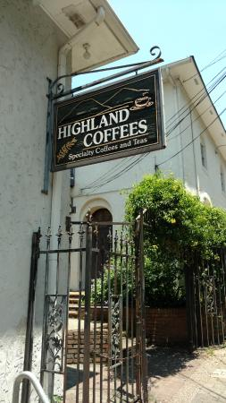 Highland Coffees: Irongate entrance from LSU side