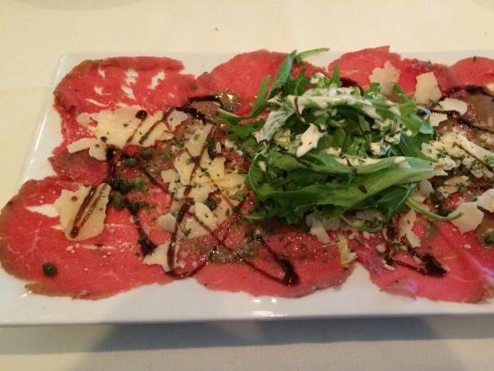 La Petite Maison: Beef carpaccio salad