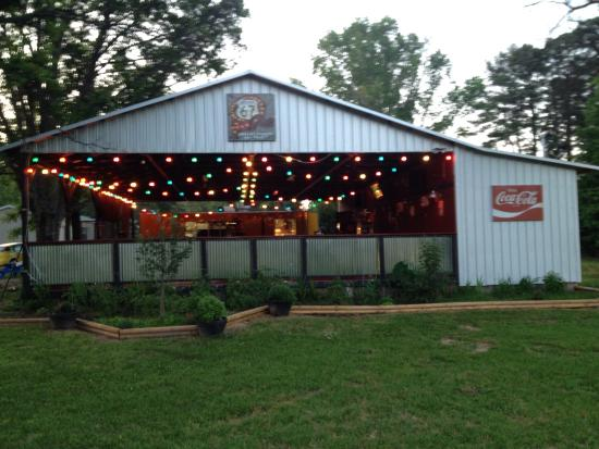 Arkadelphia, AR: Great Service! Very good variety of burgers and they are good! Great atmosphere. Try the loaded
