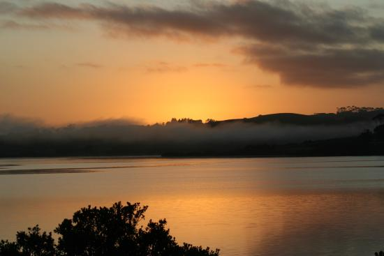Mangonui, Selandia Baru: Sunrise from the balcony