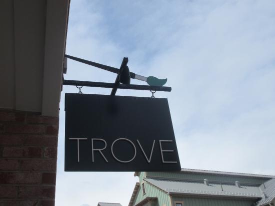 Trove Gallery