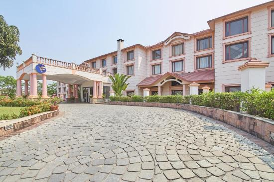 Fortune Park Panchwati Hotel: Entry of the Hotel