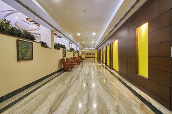 Fortune Park Panchwati Hotel: Corridor