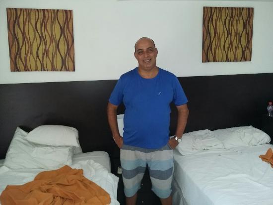AZ Hotel & Suites
