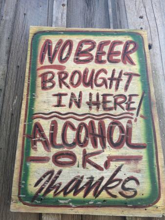 Po' Monkey's Lounge: Nada de ser ratas! Compren en su negocio local!