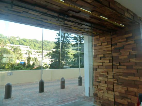 Breakers Resort: Brand new entrance