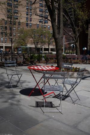 South Street Seaport: Little park to sit and relax
