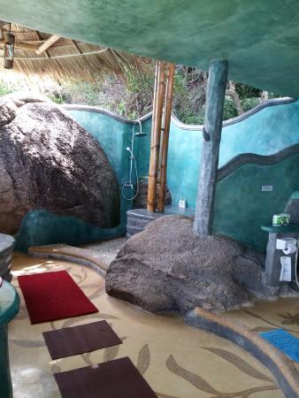 Koh Tao Bamboo Huts: 露天浴室 (但隱蔽) (BB17)