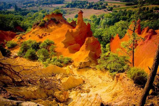 Люберон, Франция: Roussillon 15km de Bonnieux