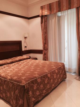 Hotel San Carlo: Dettaglio della camera