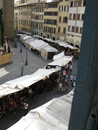 Corte dei Medici: Looking down on the market .. just beyond is the bar and further down that street great restaura