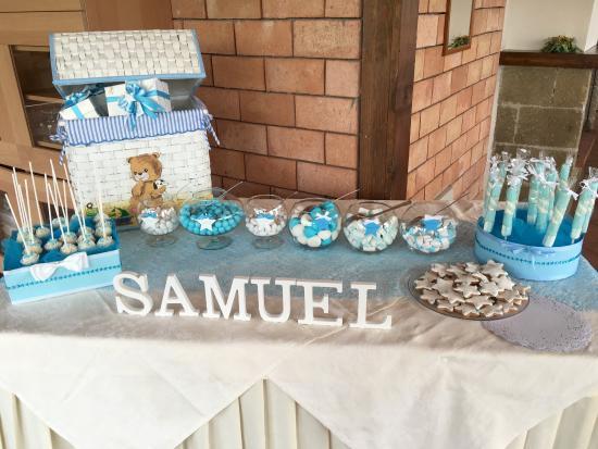 Tavoli e confettata per un battesimo bild von agriturismo la