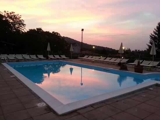 Panoramica sulla nostra terrazza con piscina picture of for Piscina olimpia a nocera inferiore