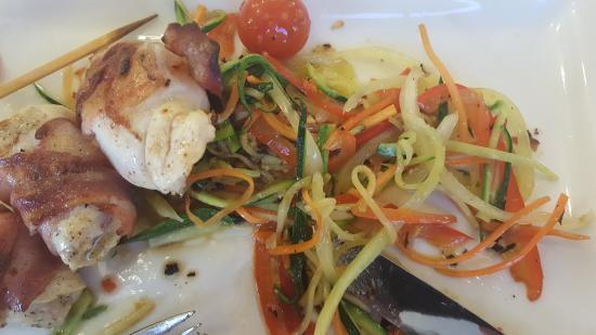 Hotel Vicko: Chicken with excellent vegetables