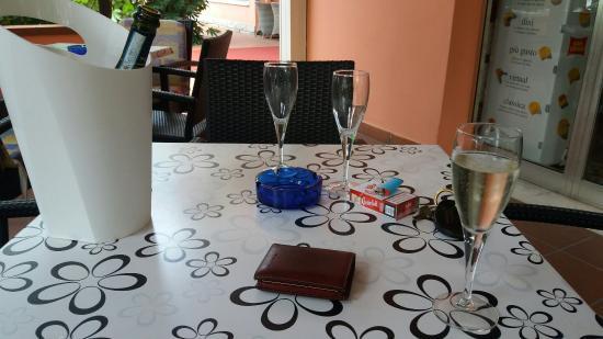Meeting Hotel: APERITIVO IN VERANDA   CON PROSECCO AL GELO