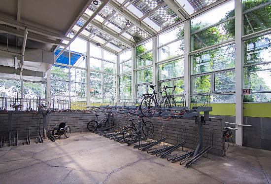 Bike & Park - McDonald's Cycle Center