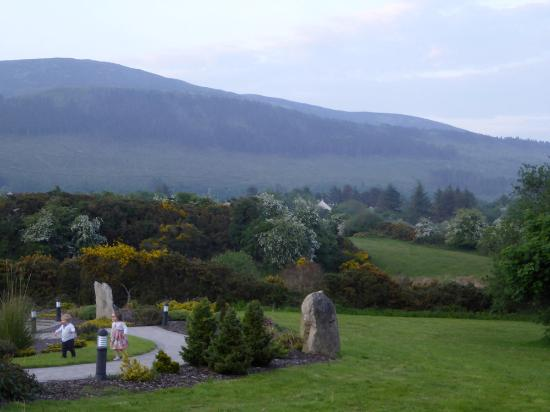 Mullaghbane, UK: Part of grounds with Slieve Gullion in background