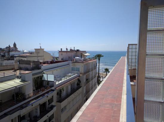 Hotel Subur: Looking towards the sea