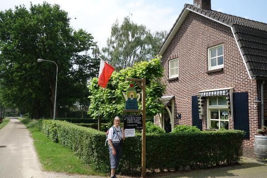 Afferden, The Netherlands: Langs de weg