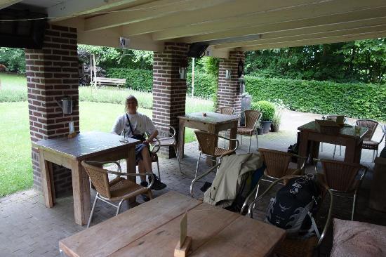 Afferden, هولندا: Uitzicht op de achtertuin